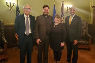 Seminary Alumnus Recognized at Wisconsin State of the State for His Efforts to Open Homeless Shelter
