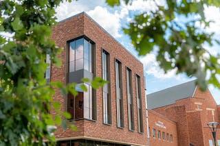 Bethel Unveils the Nelson-Larson Science Center