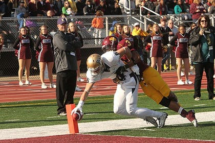 Royals Hold On To Beat Cougars 24-23 in NCAA Playoffs