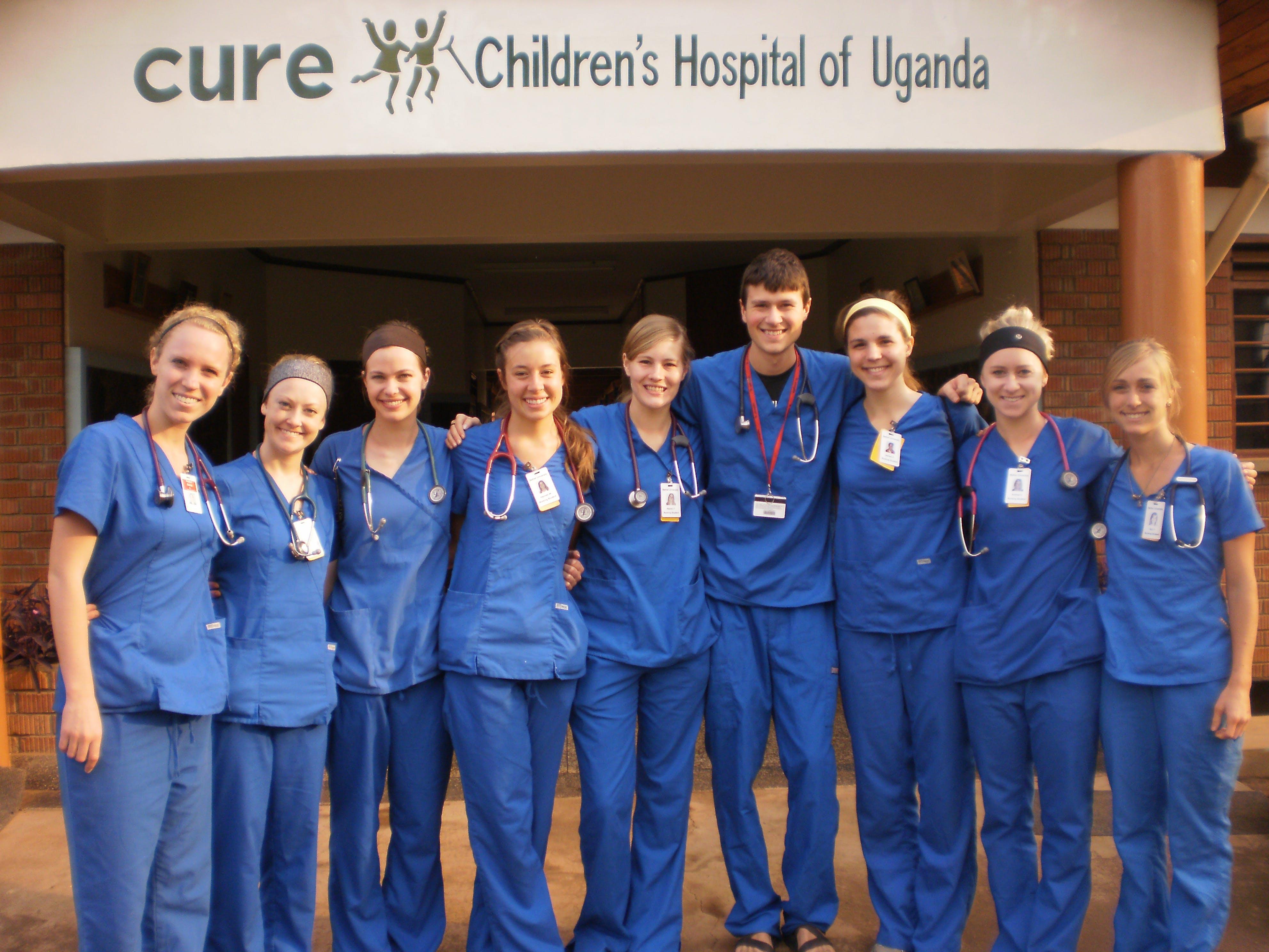 Alumni Reunite for Good Cause