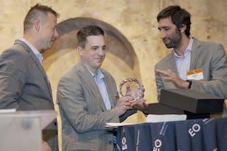 Alum, Trustee Wins Entrepreneur Award