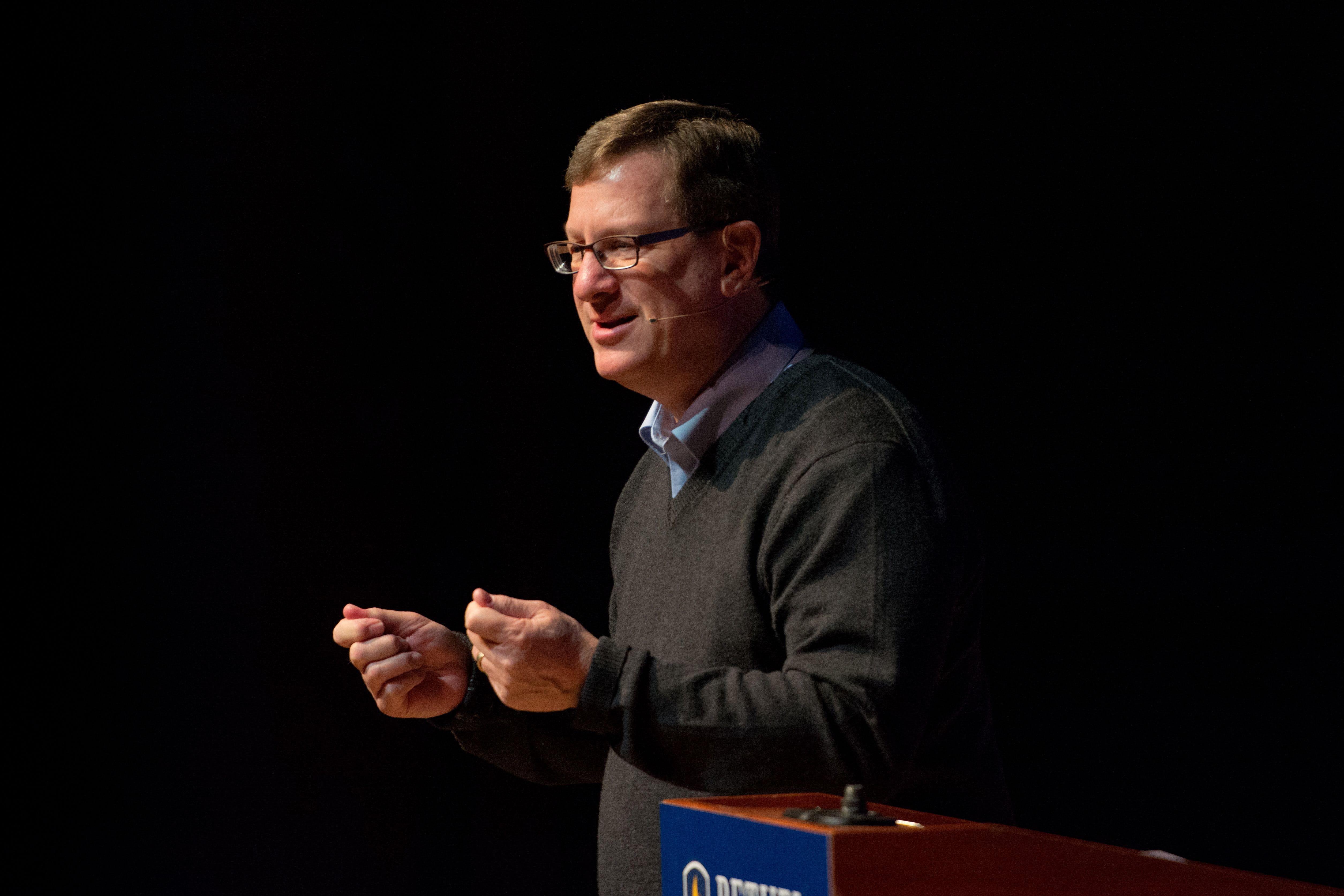 Apologist Lee Strobel Visits Campus
