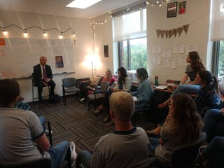 New York Times columnist David Brooks speaks with Bethel journalism students.