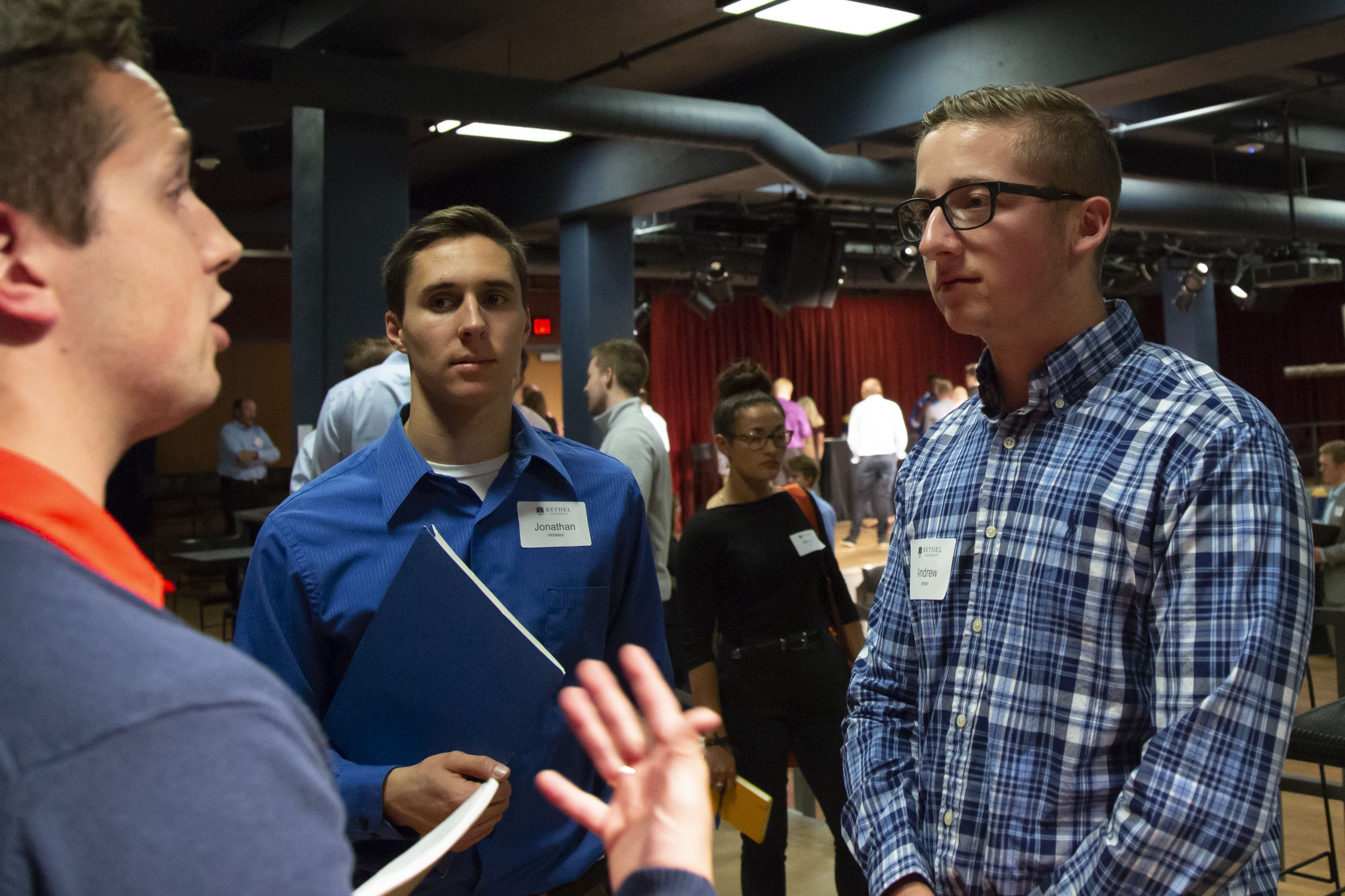 Showcase Connects Students with Employers