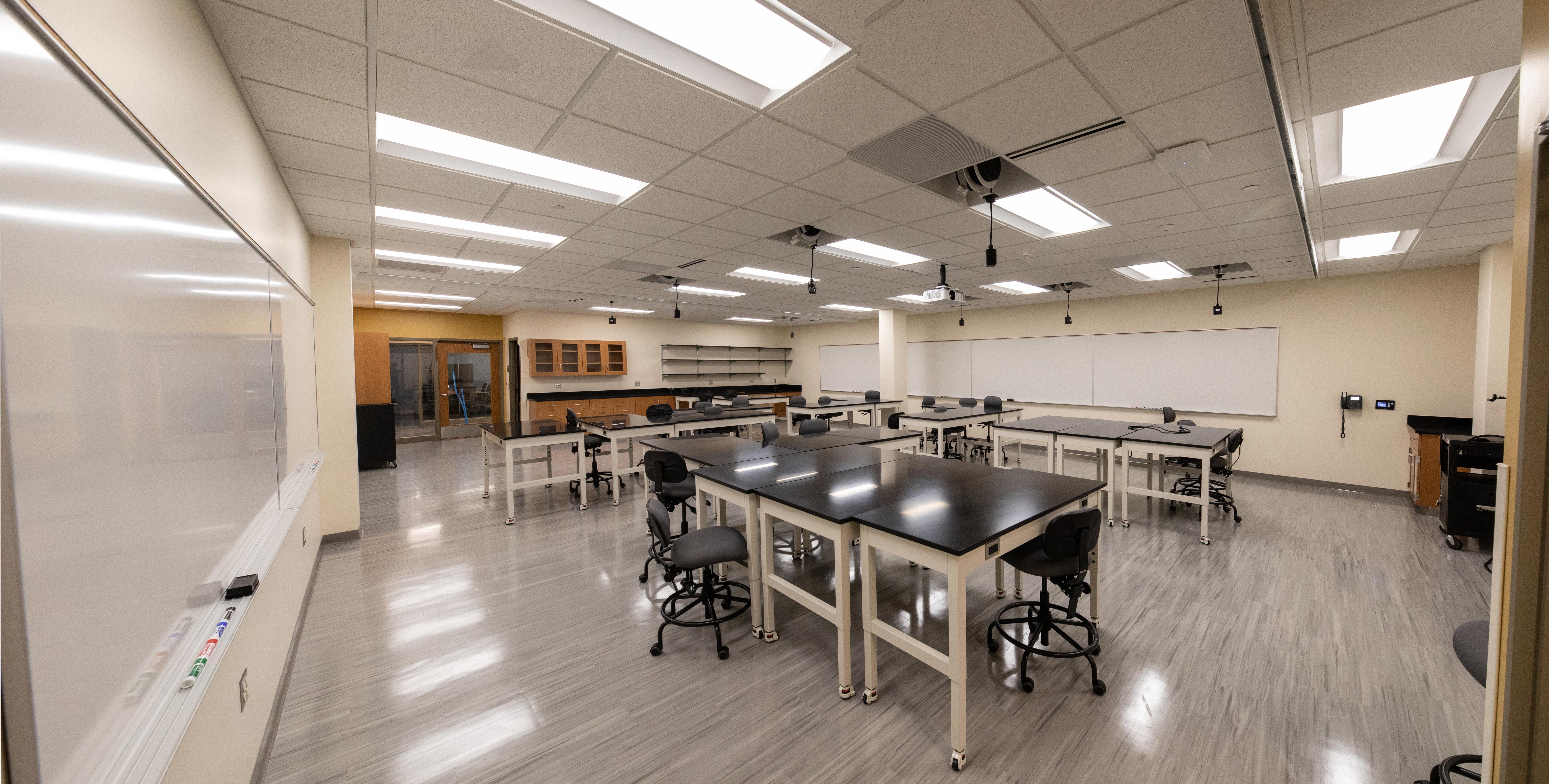 Engineering lab on the 2nd level of Bethel University's Academic Center (AC)