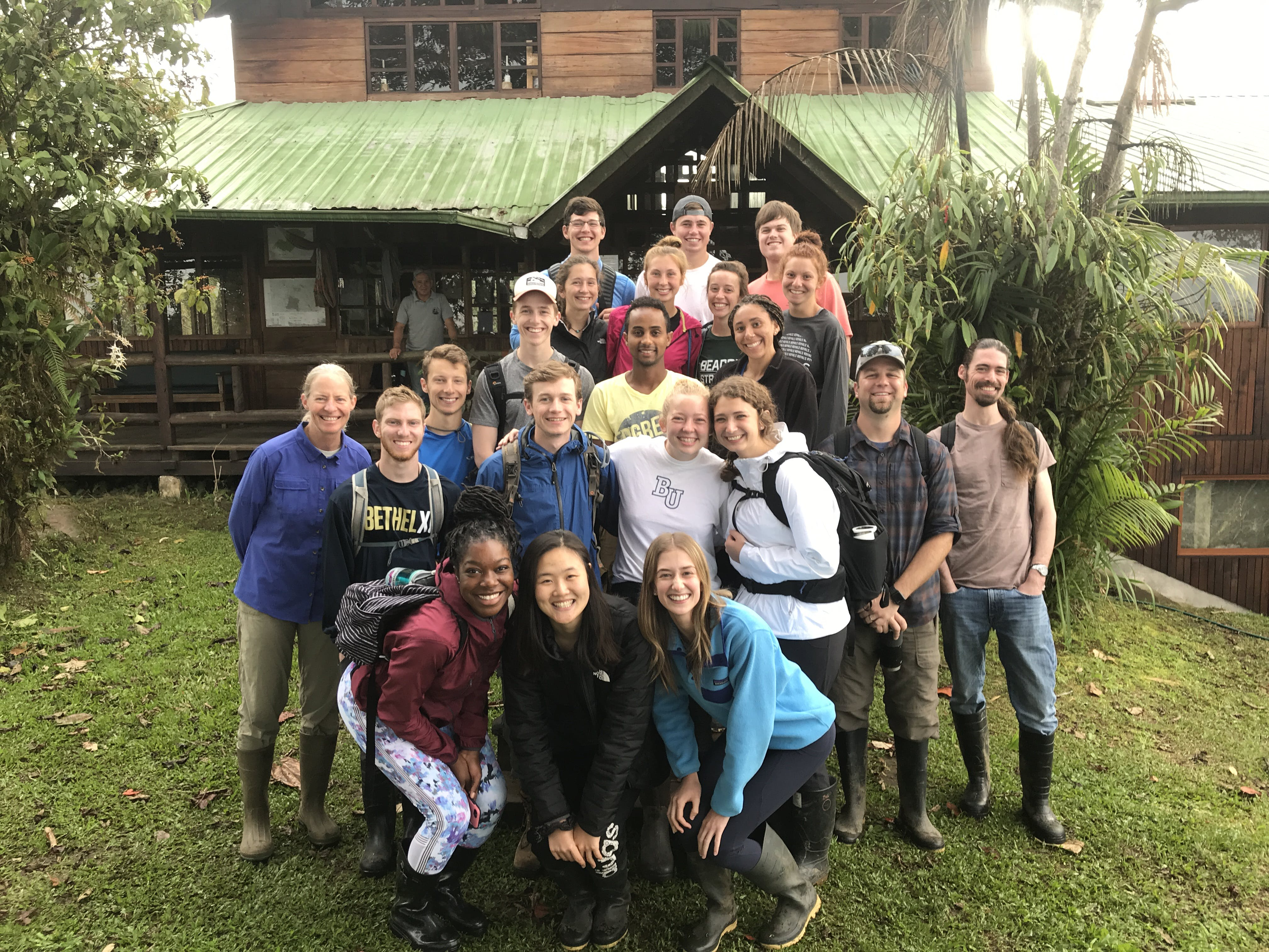 "Group of students on the 2019 Interim trip ""Ecology in the Tropics"""