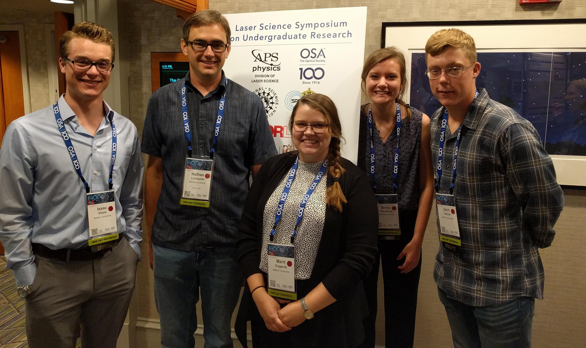 Isaac Vliem '21, Professor of Physics Nathan Lindquist, Marit Engevik '22, Britta Nordberg '22, and Zach Tebow '20 stop for a picture at national physics conference.