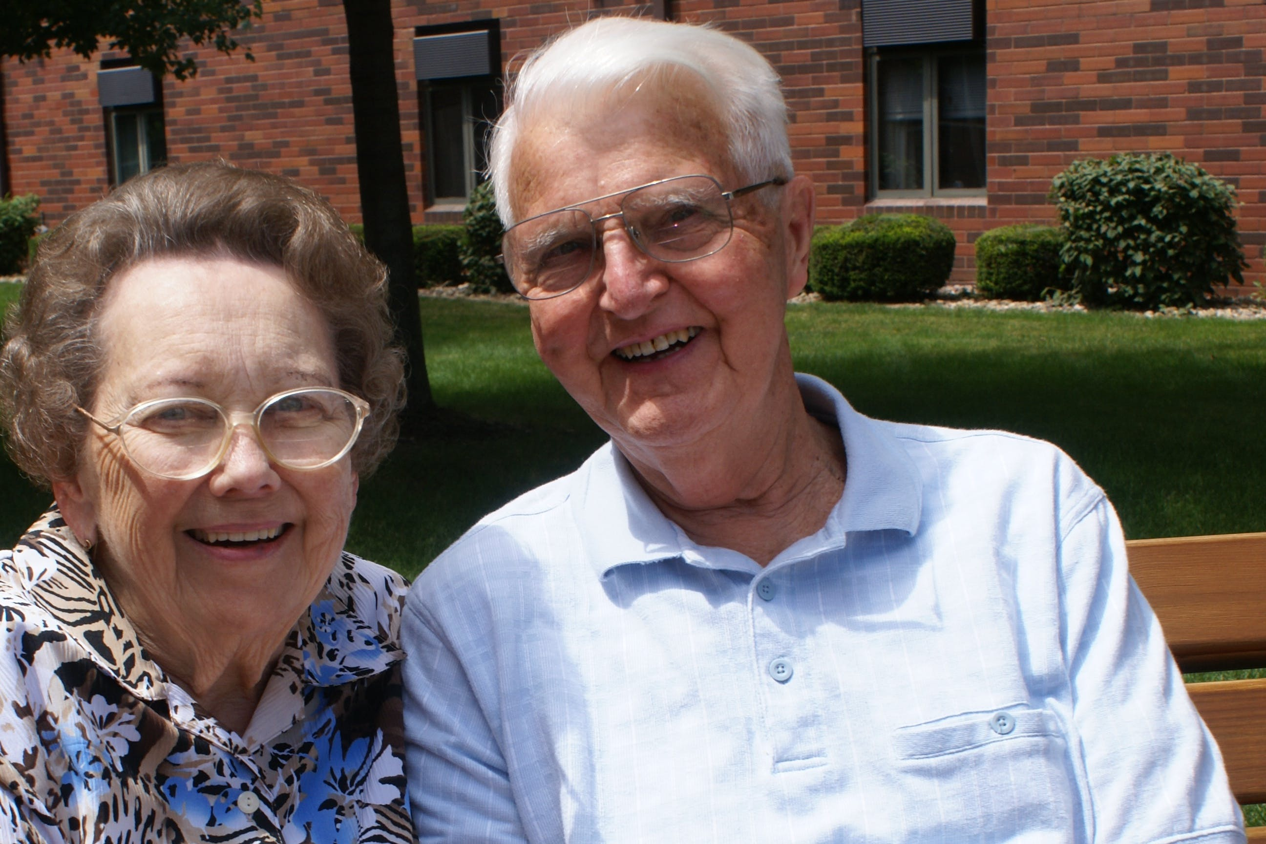 Norma and Robert Pint, longtime donors who started the Norma R. and Robert F. Pint Seminary Scholarship Fund to support Bethel Seminary students.