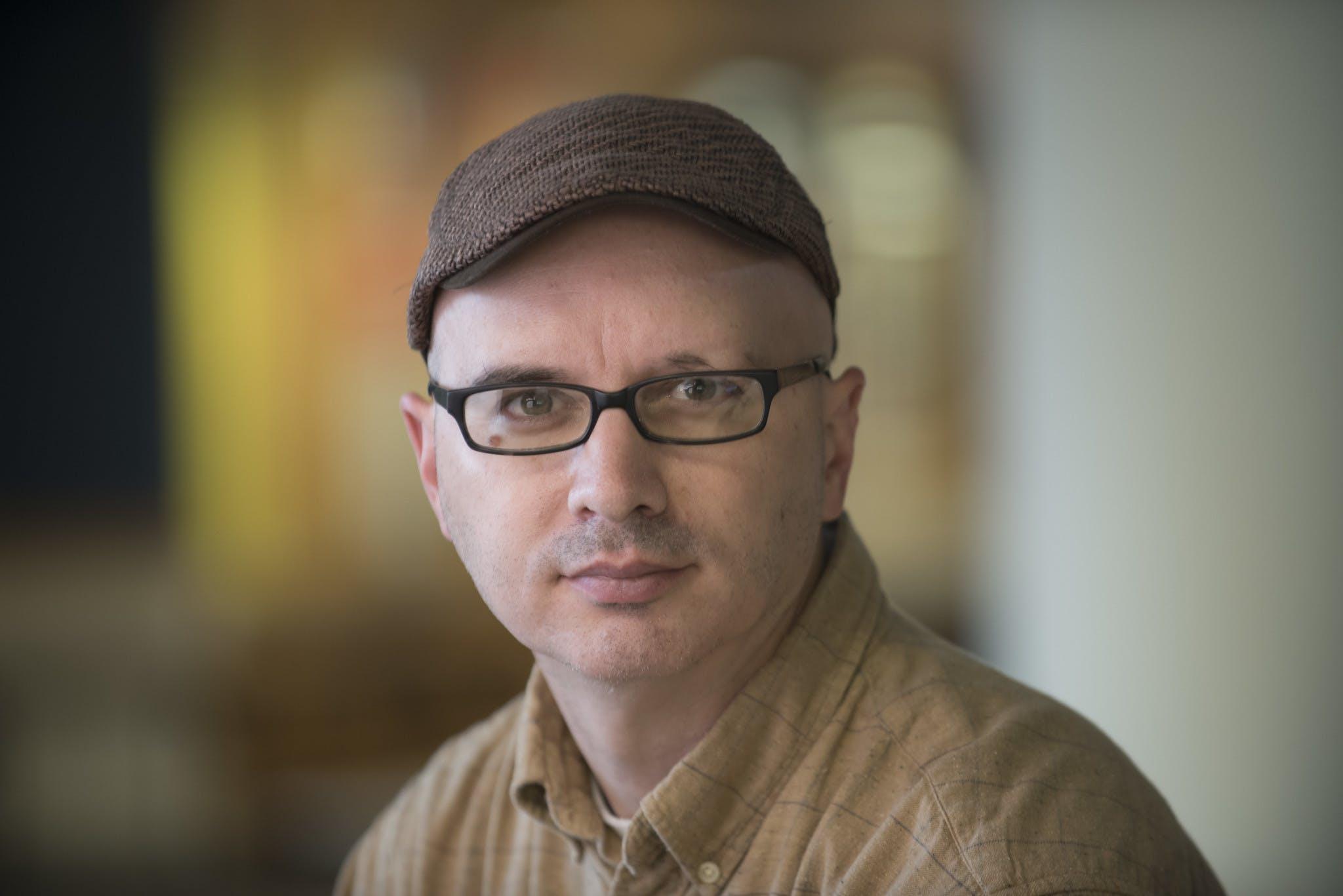 Associate Professor of Journalism Scott Winter wins the National Scholastic Press Association Pioneer Award.