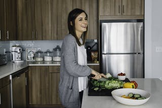 Food writer and blogger Stephanie (Green) Wise '08 in her kitchen