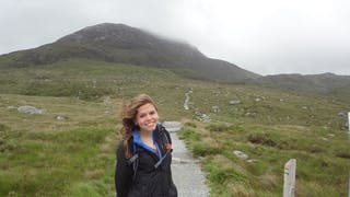 Emmy Inwards '18 studied abroad in Ireland during her junior year at Bethel. She currently works as an emergency department scribe as she prepares to start medical school.