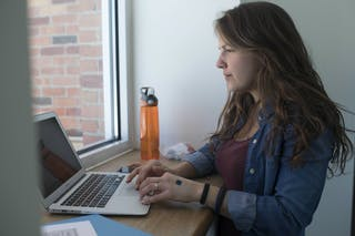 Bethel student using online resources