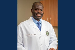 General and bariatric surgeon Munyaradzi Chimukangara '06 received one of Bethel's 2021 4 Under 40 Alumni Achievement Awards for his holistic approach to healthcare.