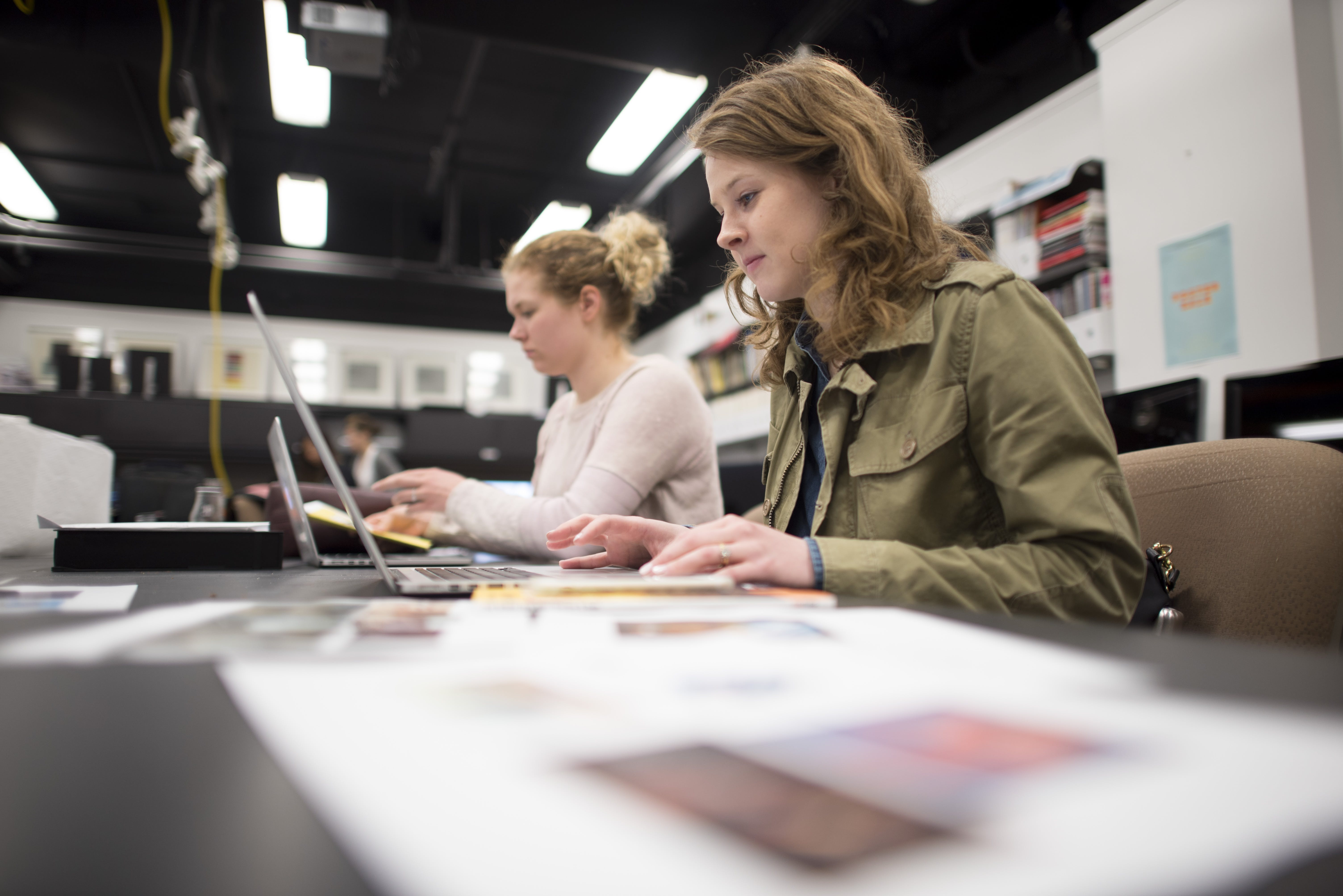 Students work in the graphic design lab at Bethel University