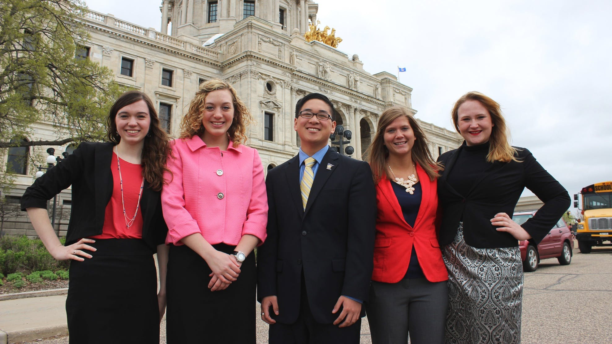 Bethel political science students outside the Minnesota State Capitol